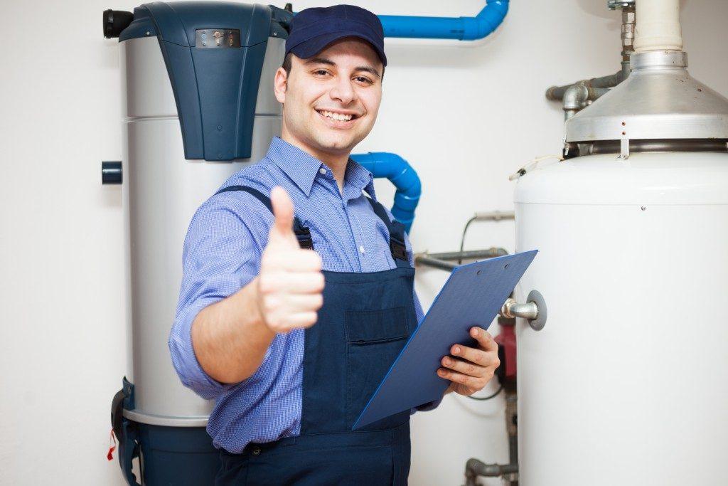maintenance man giving thumbs up