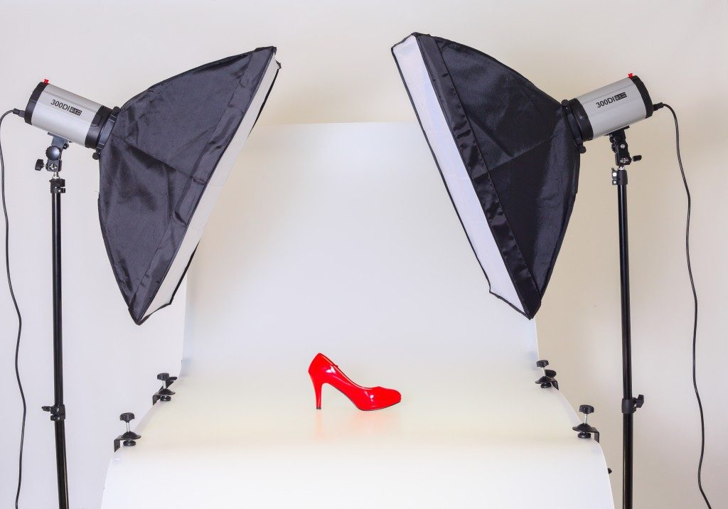 Taking a product photo of a shoe